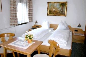 Pension Haus Pilch - Breakfast room